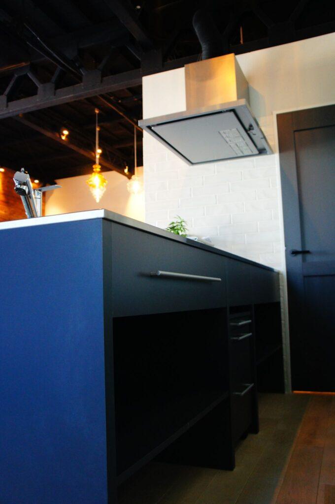 ステンレス天板のシンプルキッチン【HAGS GATE KITCHEN】・設置例4