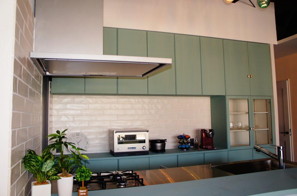 ステンレス天板のシンプルキッチン【HAGS GATE KITCHEN】・設置例3